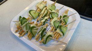 プリッツとチーズのきゅうり巻