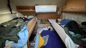 トレーラー 簡易二段ベッド